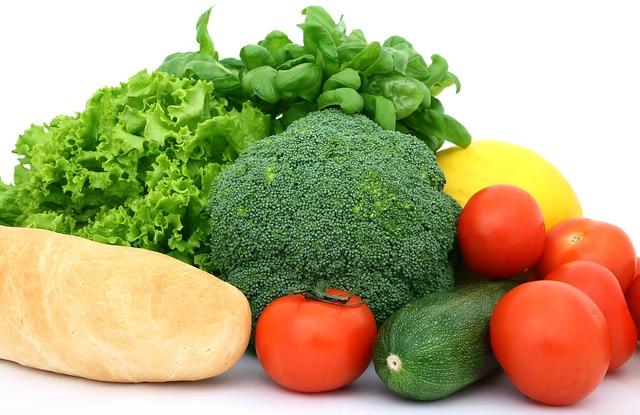 zelenina, salát, světlá bageta